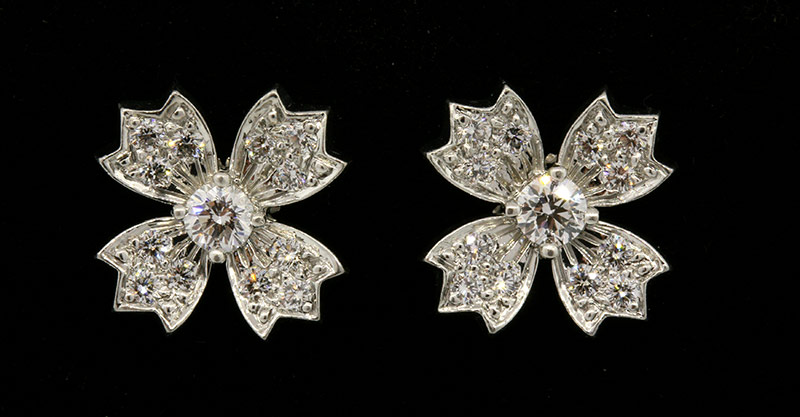 Tiffany platinum diamond flower earrings1