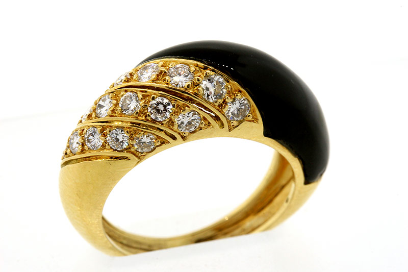 Van Cleef & Arpels 18k gold onyx diamond ring 1
