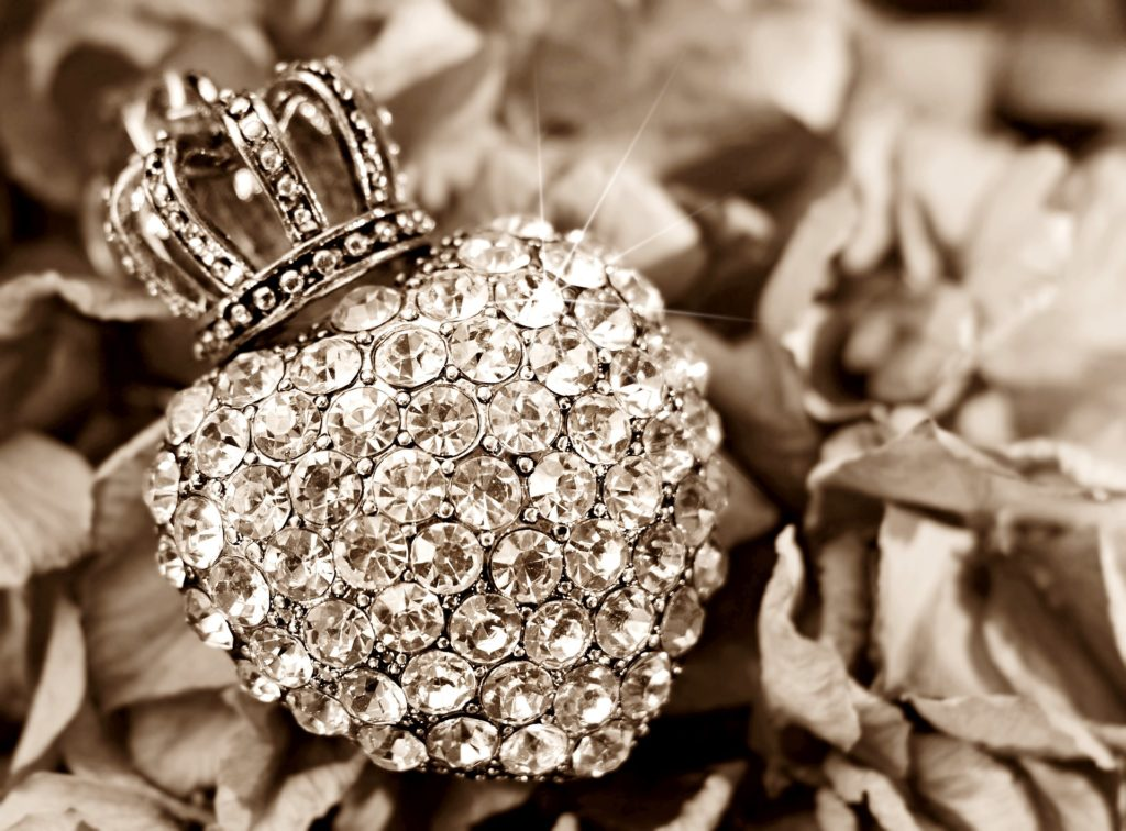 diamonds, gold, silver, and designer jewelry from designer brands like Tiffany & Co., David Yurman, Cartier, Van Cleef